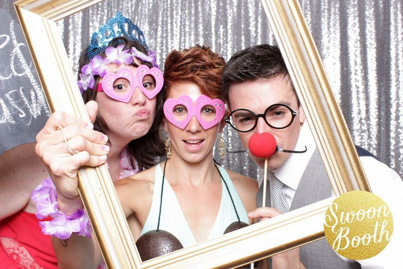boston photo booth swoon booth spencer ma wedding1
