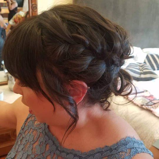 Bridesmaids braid