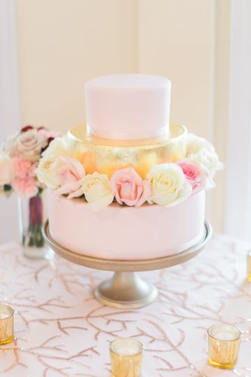 Gold and blush tiers with fresh flower accents. Rock Hill Plantation House, Stafford, VA.