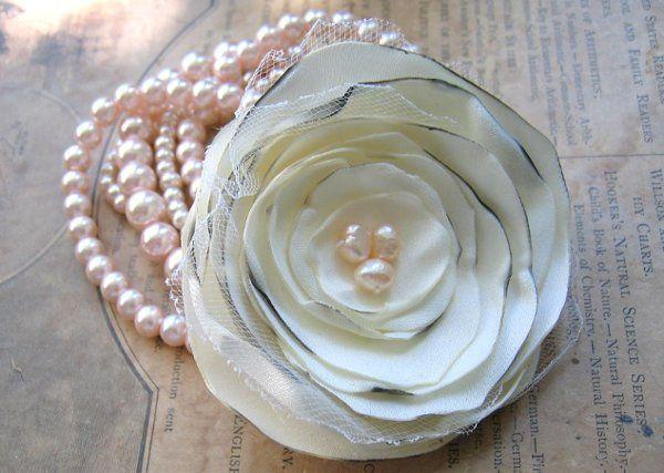 Fabric Flower Bracelet In Ivory Faux Pearls Stretch Bracelet