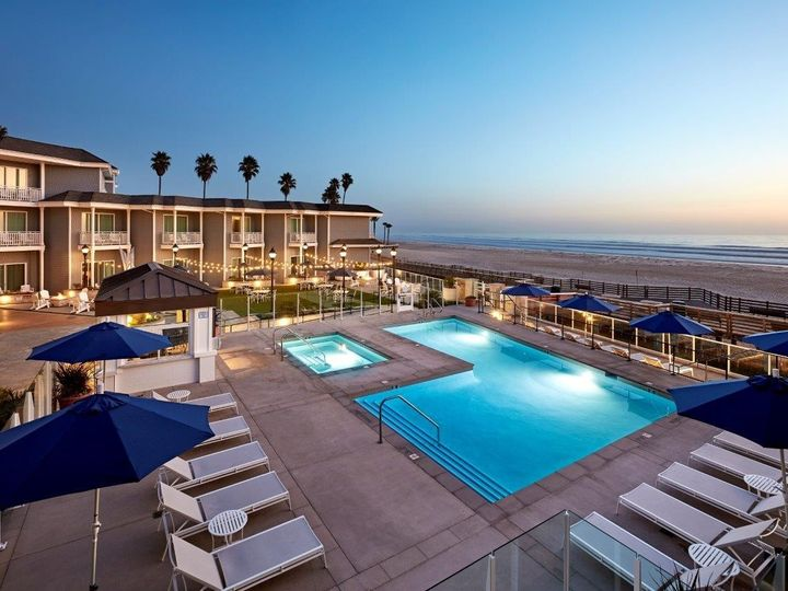 Tmx Sbpak Vespera Pool Dusk Overview To Ocean 51 1036907 159364180122491 Pismo Beach, CA wedding venue