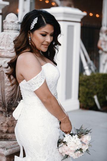 Gorgeous bride Yolanda