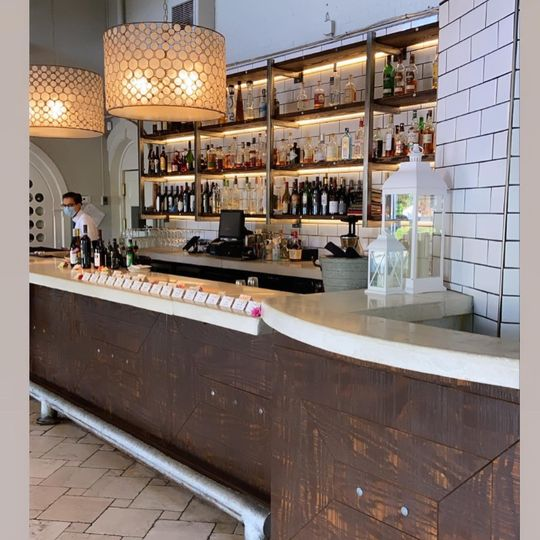 Bar/cocktail hour