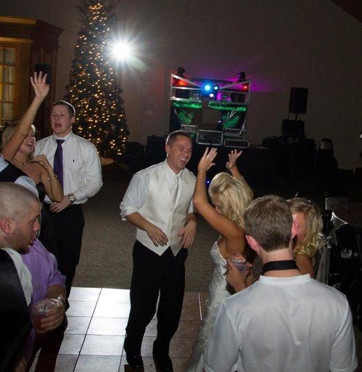 thunderkiss entertainment weddings dj tommy gunn