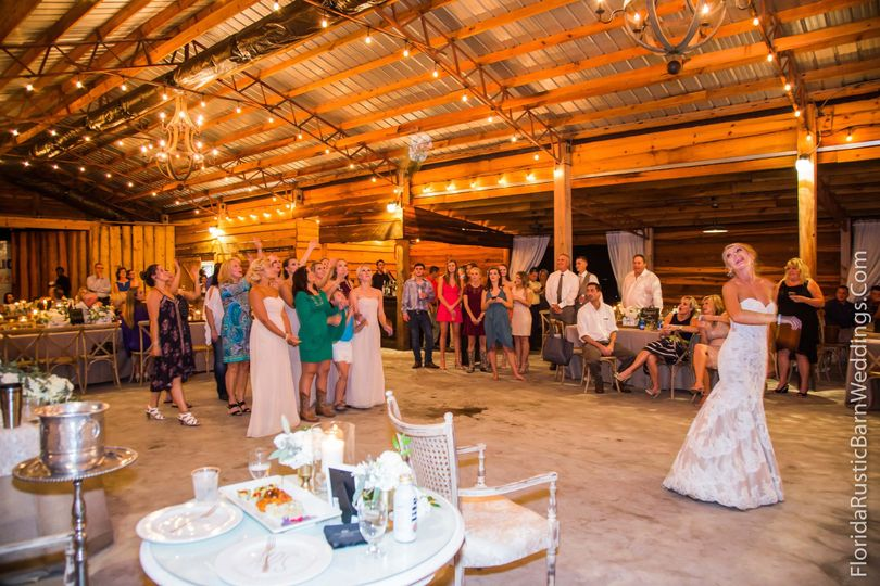 Prairie Glenn Barn - Venue - Plant City, FL - WeddingWire