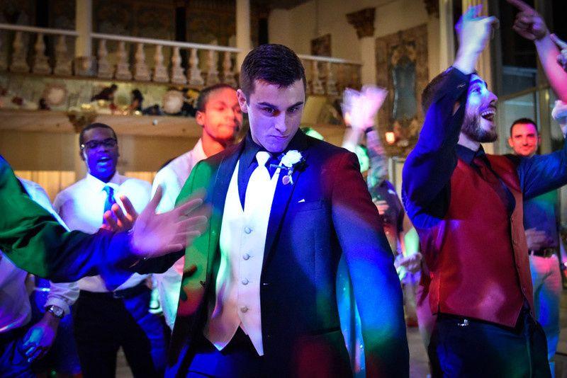 800x8001489070055638 dancing 1