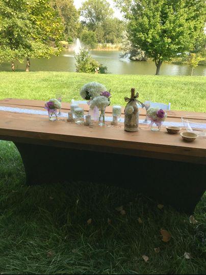 Lakeside head table setup