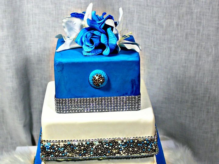 Tmx 1501716942316 Cidf444dd52 Bdd7 4d27 Ae11 D03bc4edaca2 New Baltimore, MI wedding cake