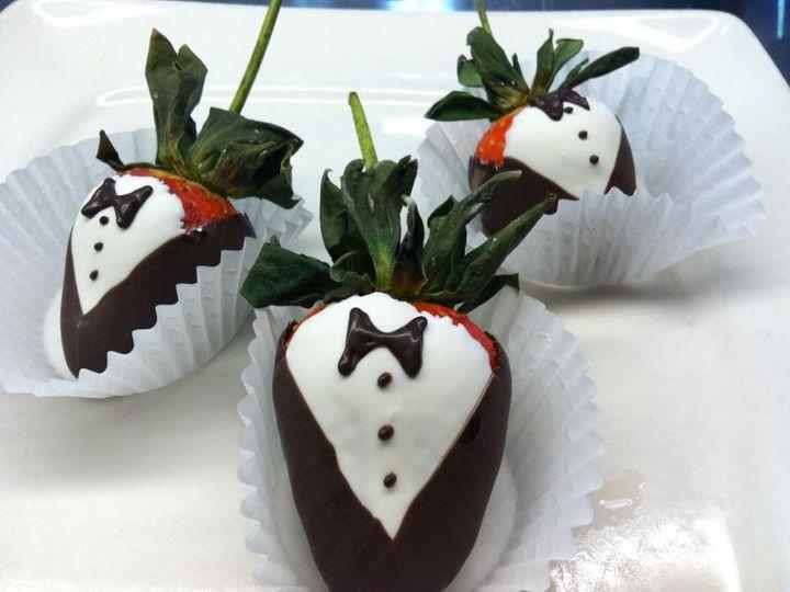 Tmx 1392137528378 Tux Strawberrie Iowa City, IA wedding catering
