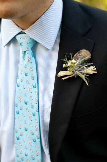 Mussel shell boutonniere