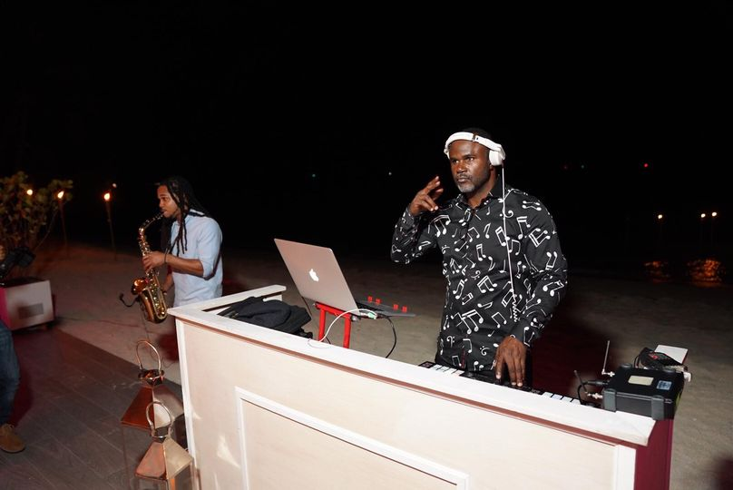 DJ/Sax Duo at Albany Beach