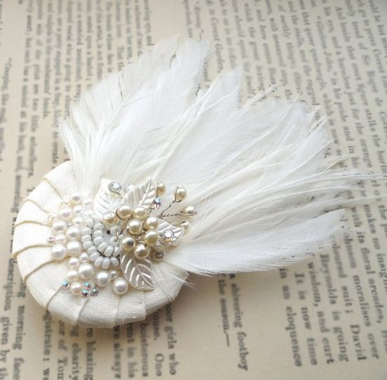 Pleated Sweet Feather Hair Comb