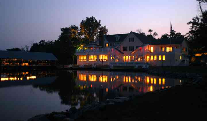 The Oaks Waterfront Inn & Events