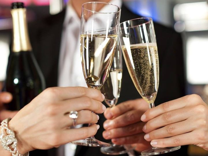 Tmx New Years Champagne Toast Sparkling Glasses 51 1041217 Raleigh, NC wedding transportation