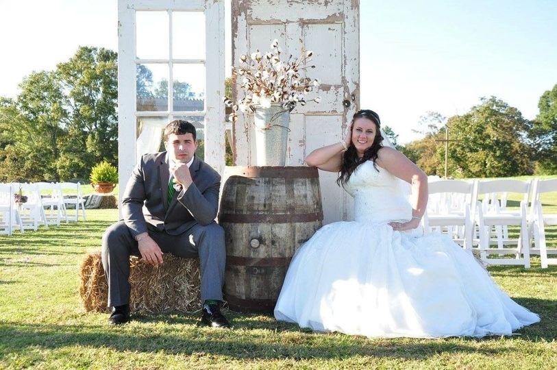 3b9cf611f4df2134 1508863246597 farm wedding at vintage oaks farm