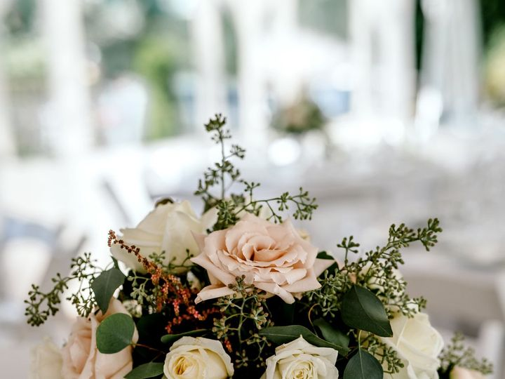 Tmx 1523417019 86316e47e9d69e83 1523417016 Ae3c9417c4e56e85 1523417009554 17 M V WED 398 Bellingham, WA wedding florist