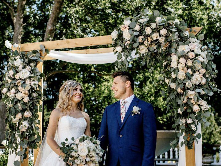 Tmx 1524269882 68297f9902fc885d 1524269880 67467d0defc1e599 1524269876410 2 M V WED 231 Bellingham, WA wedding florist