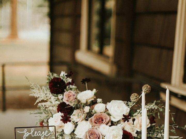 Tmx 1536003168 4d22db72eeb58ff4 1536003165 936a6ba11e9d4e07 1536003159248 18 69FAB3FD EA5F 4D5 Bellingham, WA wedding florist