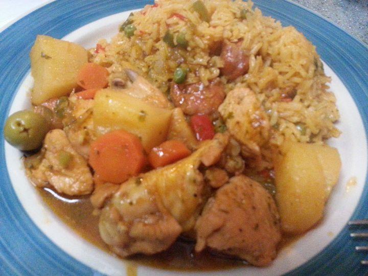 Stewed chicken & yellow rice