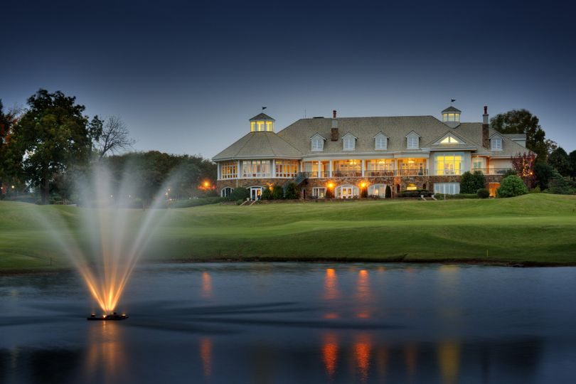 The Peninsula Club at night