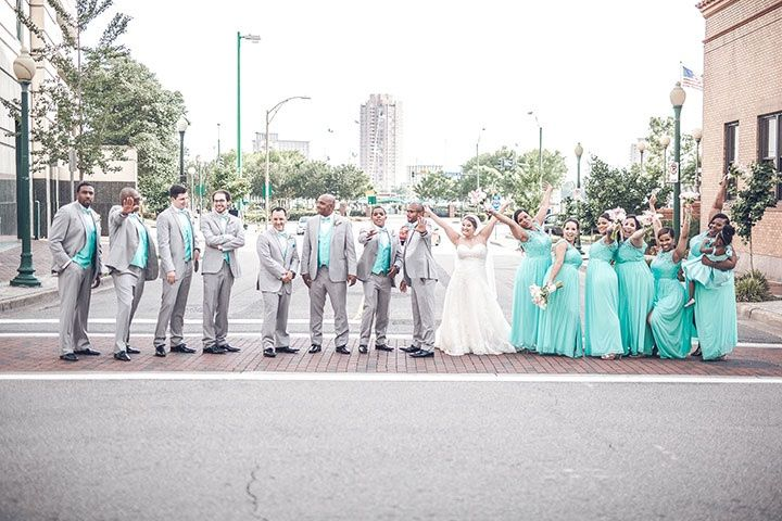 bridal party street portrait 51 1907217 157962023798037