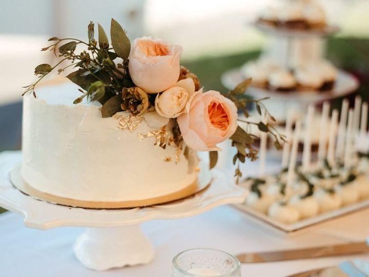 Tmx 119124747 800706430746537 7633791991827433539 O 51 1018217 160028666277240 Northwood, NH wedding cake