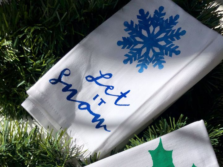 Tmx Holiday Tea Towels Napkins 1 51 1902317 157731109883833 Breckenridge, CO wedding favor