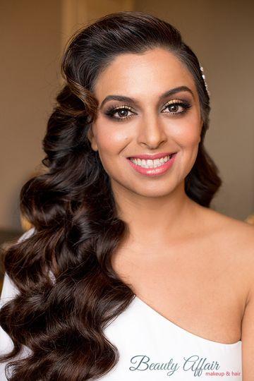 800x800 1484000276881 Indian Pink Lips Glam Bride Smokey Eyes Makeup Gol