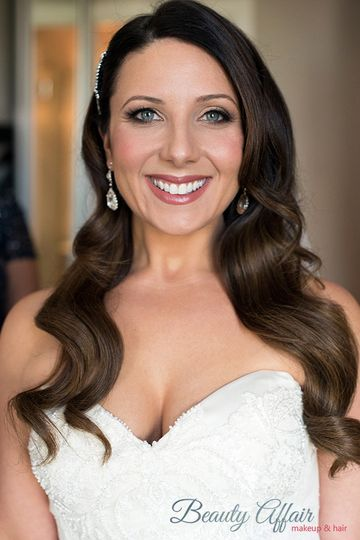 mauve lips stunning wave bridal wedding makeup blu
