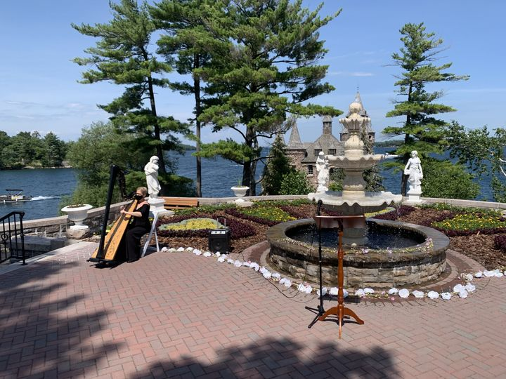 Boldt Castle Wed Covid Style