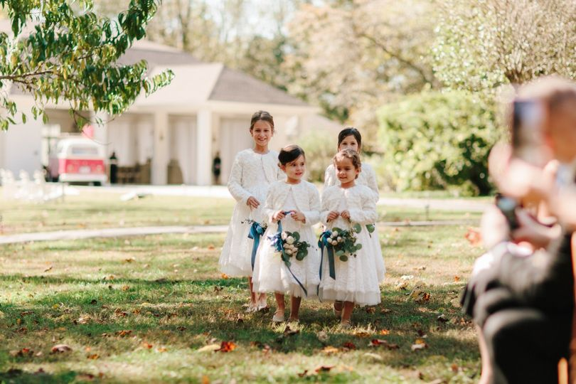 Flower girls with bouquets