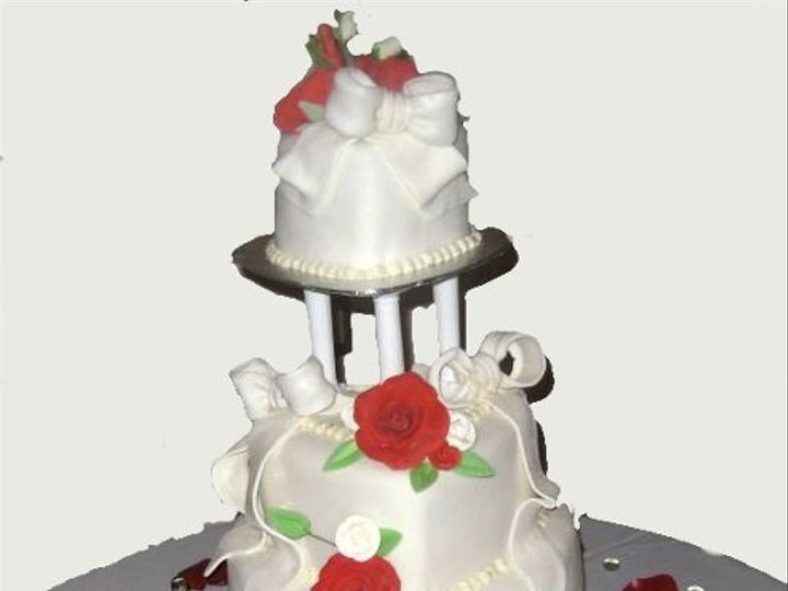 Tmx 1256863969462 Rosesandheartsweddingcake2 Philadelphia wedding cake