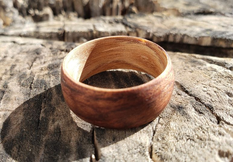 Two-tone wood ring
