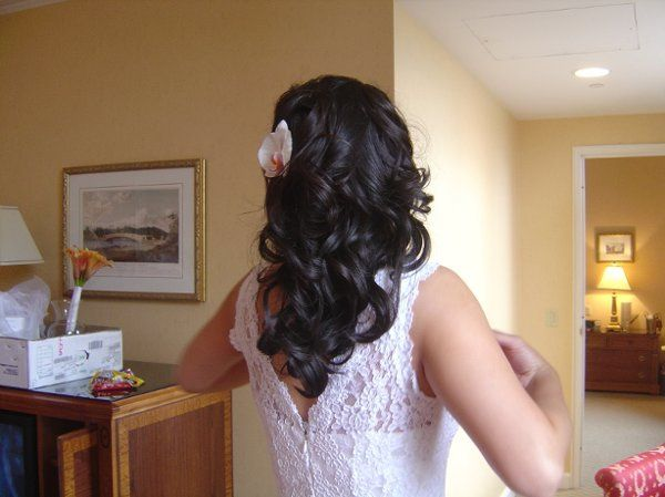 Lush Waves for a City Chic Bride