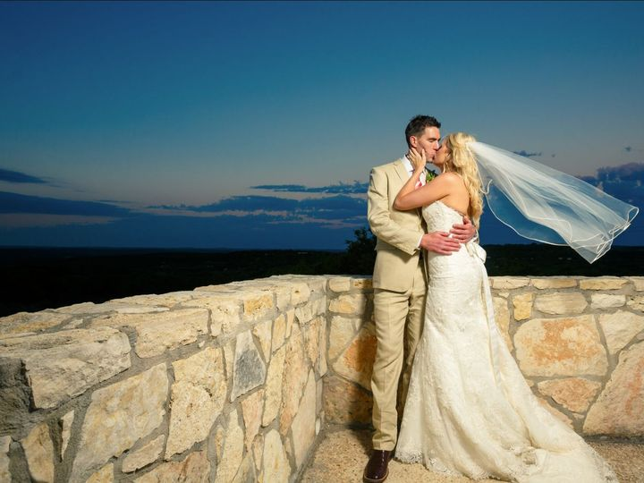 Tmx 1534888607 D924b036337d67db 1534888606 56e80e41785bfafb 1534888601879 7 Md8 Durham, NC wedding photography