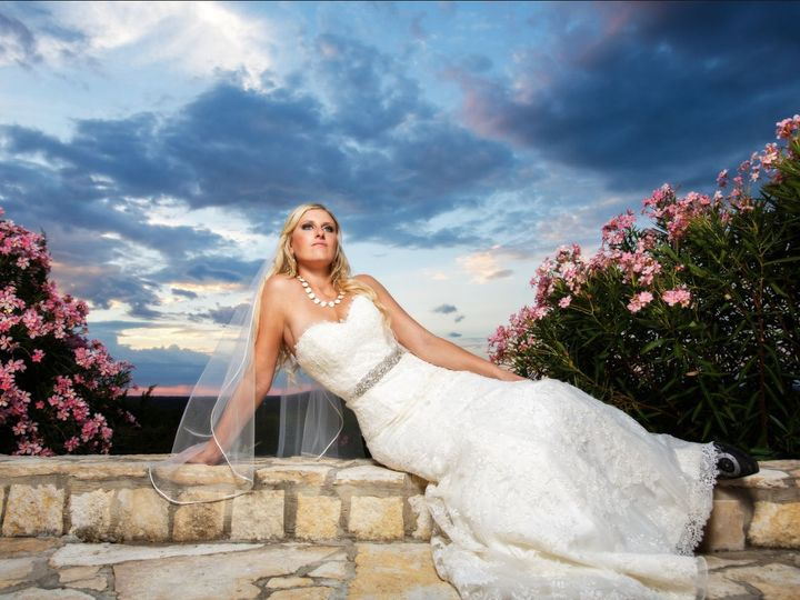 Tmx 1534888730 B2a39377d25a7f78 1534888728 61fa50b76460cc0b 1534888727228 2 Md13 Durham, NC wedding photography