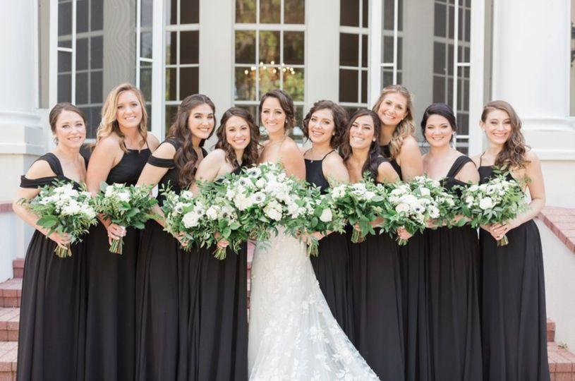 Bride & Her Bridesmaids