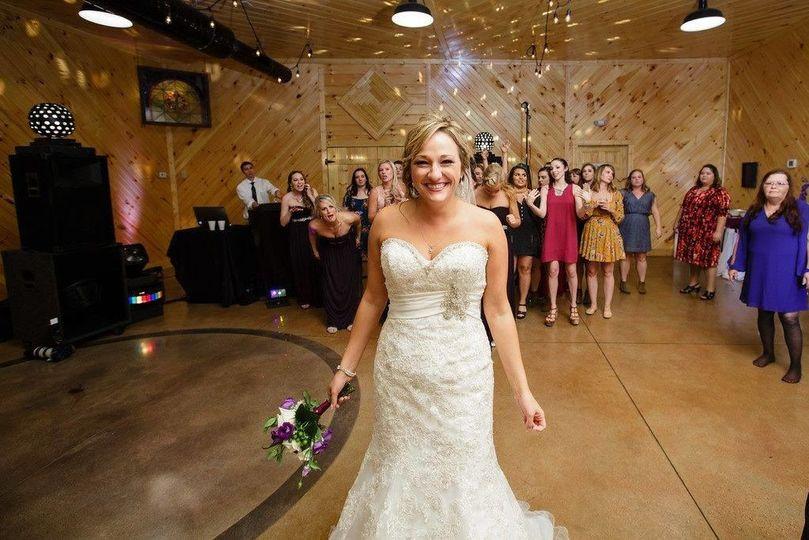 Bridal ouquet toss