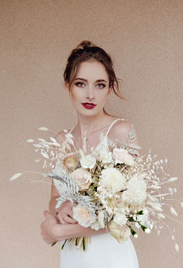 Sultry glam bridal look