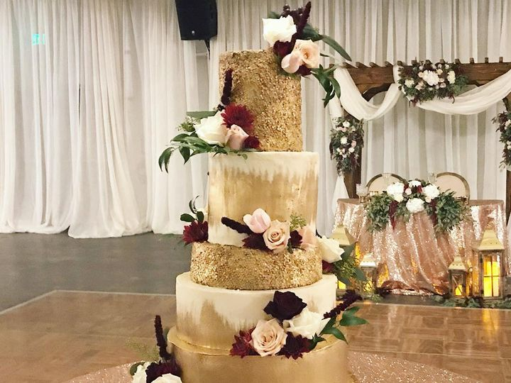 Tmx 43305443 2160622417537602 6250062308362828648 N1 51 938517 Clovis wedding cake