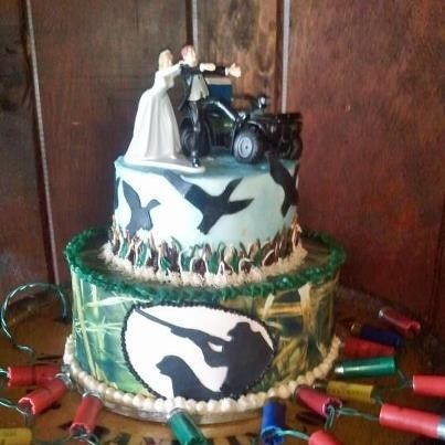 Tmx 1389299986476 Duckdynastygroomscak Stamping Ground wedding cake