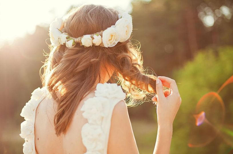 Brides with flowers in her hair