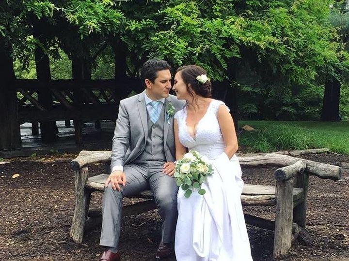 Tmx 1534262069 Bf84dd60c09f3f28 1534262068 396ddacb99e636a7 1534262070116 6 38955274 102170219 New Windsor, NY wedding florist