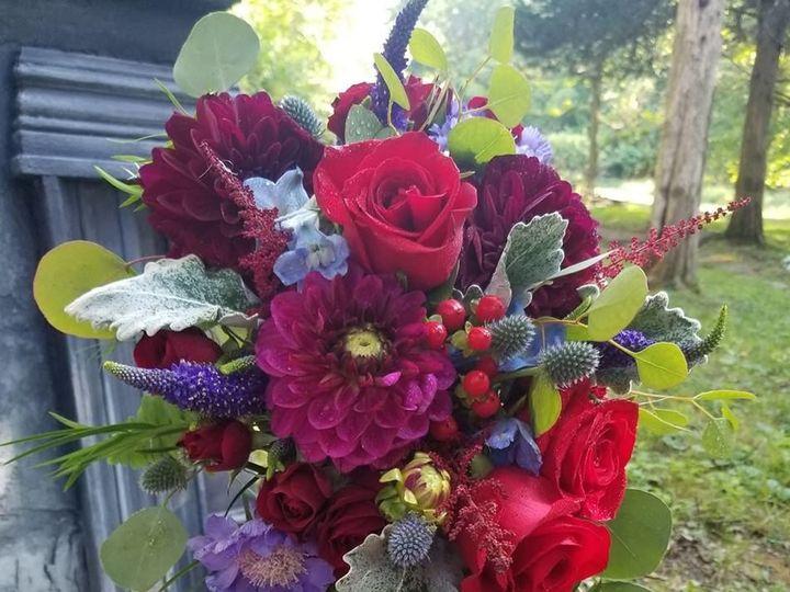 Tmx 1534262489 851dd3cbca65e6e5 1534262488 A5557a02c21100b6 1534262490531 3 37704160 165929854 New Windsor, NY wedding florist