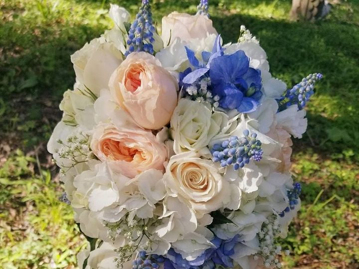 Tmx 1534262489 Eadfdcf11e065c23 1534262488 80eeb460c30b7884 1534262490528 1 35426484 160411989 New Windsor, NY wedding florist