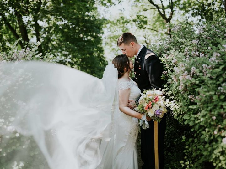 Tmx 1534954677 Ae503f557d83c06d 1534262070 59009c376fc78ae4 1534262068 D6adb7e29f6c3fdb 153426 New Windsor, NY wedding florist