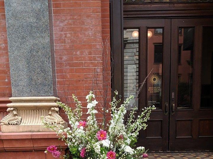 Tmx Gold Urn Centerpiece 51 923717 1572219941 New Windsor, NY wedding florist