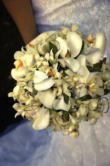 whiteorchidbouquet