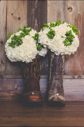 Flower-boot arrangement