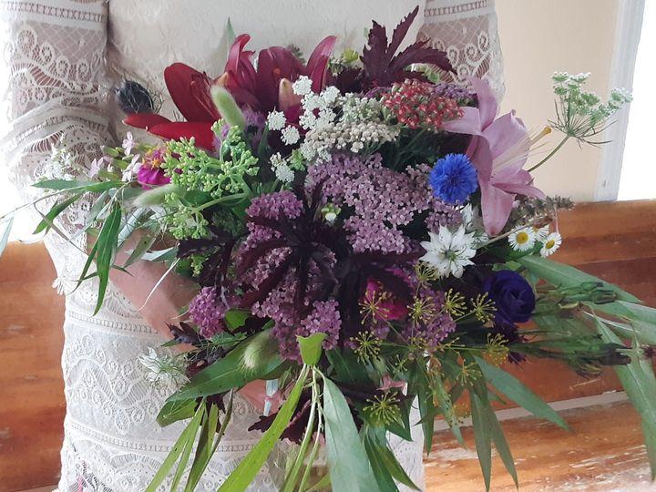 Tmx 67139013 10111753465557623 4121352382749605888 O 51 1073717 1563549635 Fowlerville, MI wedding florist